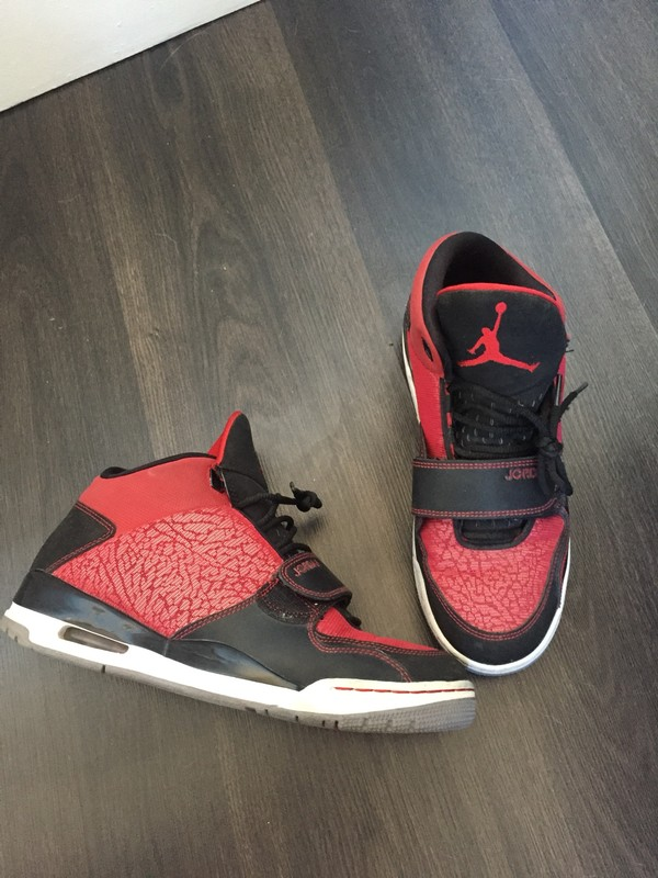 air jordan rouge scratch